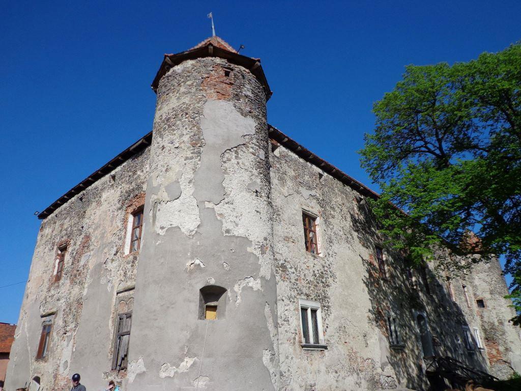 "Замок ""Сент-Міклош"""